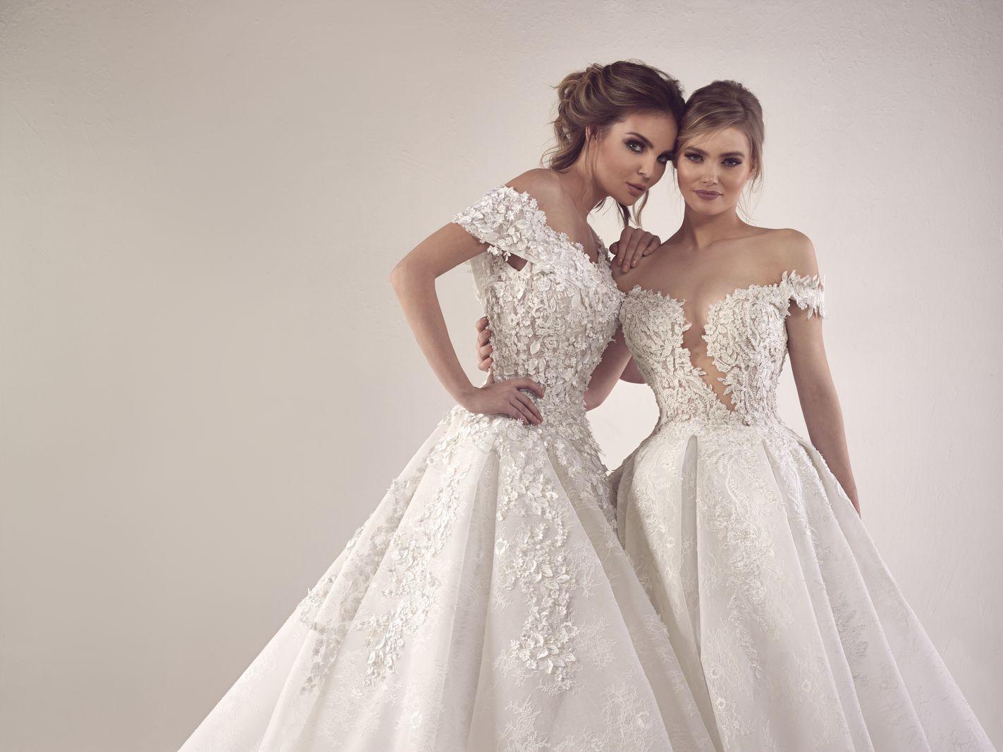 We113 2017 Mermaid Tail Wedding Dress Bridal Gown Lebanon Designer. Lebanese  Fashion Designers Wedding Dresses 0b4bcfd934db